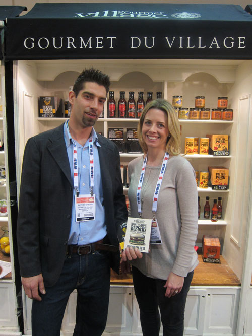 Matthew Speyer and Ashley Tott with new Hearty Garlic Burger Seasoning - Gourmet du Village