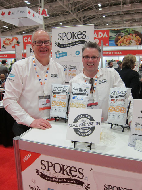 Dave Pullar and Mike Cadrin of Left Field Foods with the SIAL Innovation Award