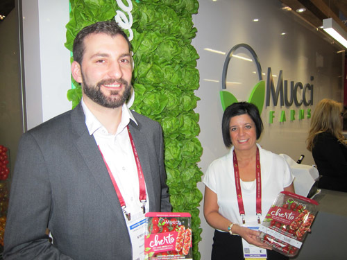 Steve Cowan and Emily Murracas with Mucci's new Cherto Tomatoes