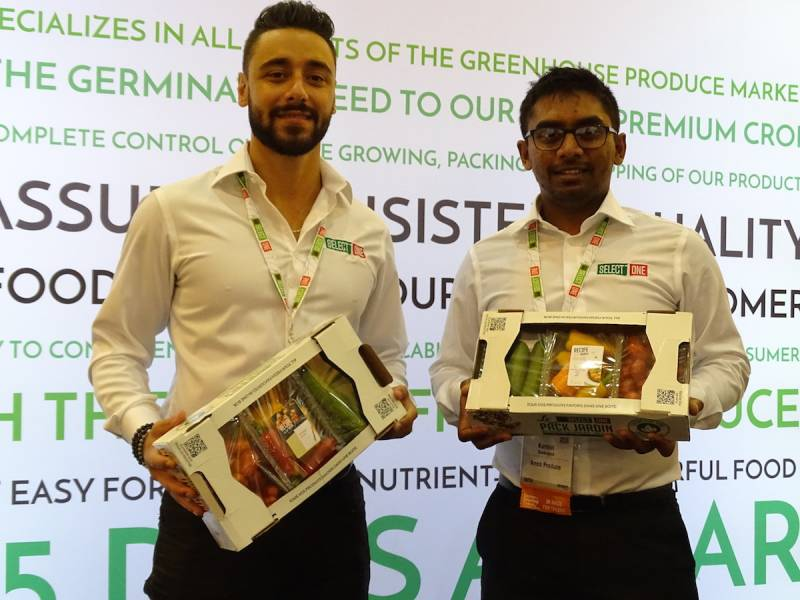 Nick Hanna left poses with Kurvin Soobrayen with the Select One Garden Pack from Amco