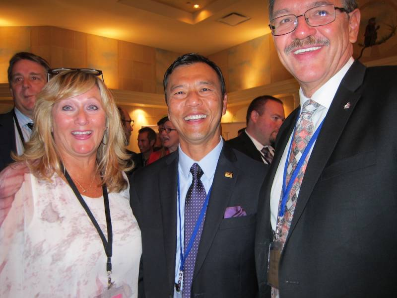 Vanda Szuman, Polar Pak; Albert Lum and Dan Breg, Buy Low Foods