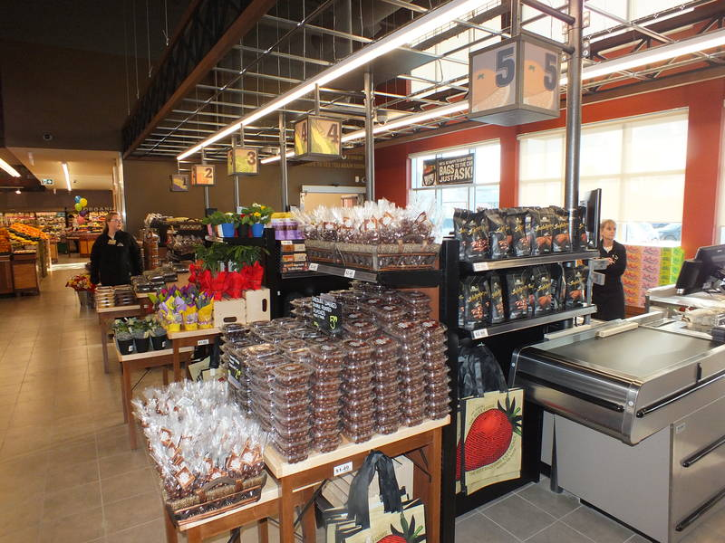 Farm Boy's new Lake Shore and Leslie store