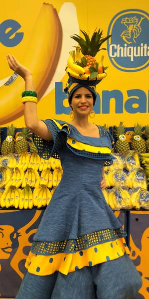 At the Chiquita booth - ¡Olé!