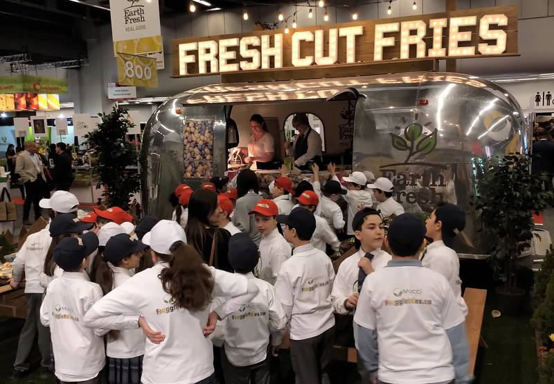 The Earth Fresh booth drew lots of visitors