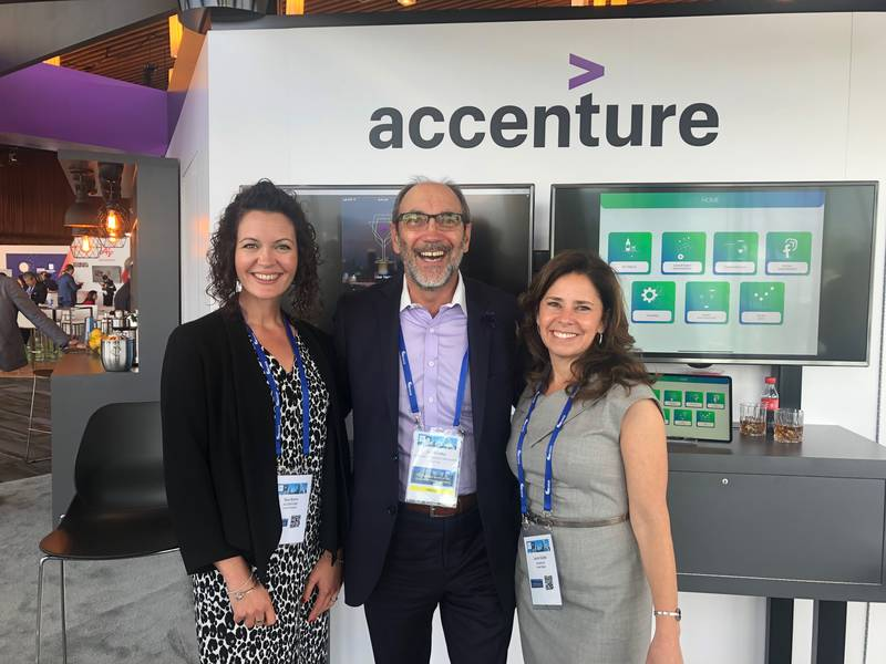 Accenture team Tara Burns and Laura Gurski with Grocery Business' Jim Slomka