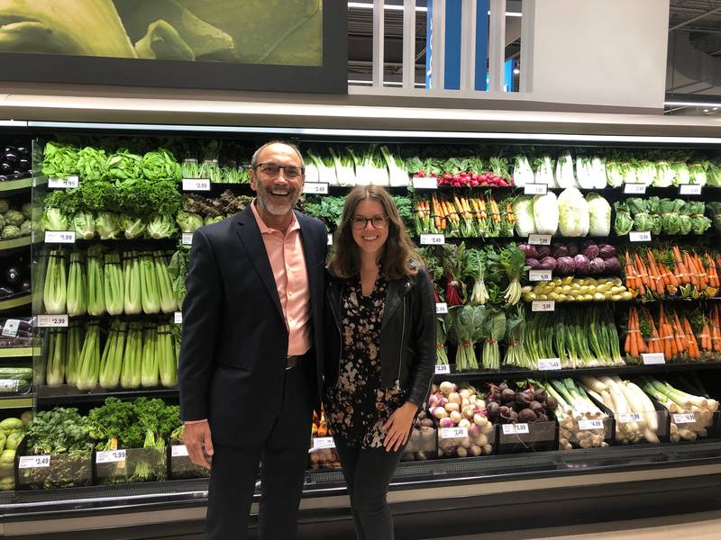 Jim Slomka, Grocery Business, and Katarina Oestreich, communications specialist, Metro Inc.