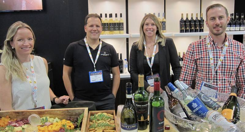 L to R: Candace Lyons, Sasha Teska, Kennie Simmons and Nathan O'Brien, Arterra Wines Canada copy