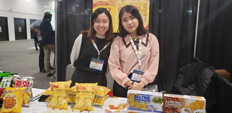 Flora Chi (left) and Yuna Jang, Redfrog Enterprises