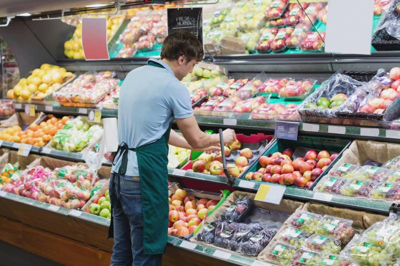 B.C. government won't give pandemic pay to grocery workers