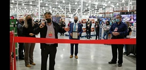 From Costco Canada team: Rachel Mercier, Niagara Falls general manager; Pierre Riel, senior vice president and country manager; Gino Dorico, senior vice president and general manager, Costco Wholesale Eastern Canada; and Frank Chislette, regional vice president of operations mark the opening of the new Costco Niagara Falls warehouse club.