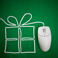 Study finds Canadians using technology, digital tools for holiday shopping