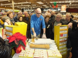 Fortino's and Aurora's torrone cutting event creates in-store excitement