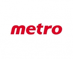 Metro celebrates re-opening of West Toronto store